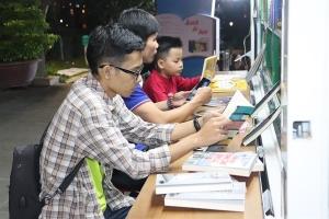 Thư viện Khoa học Tổng hợp Đà Nẵng ra mắt xe ô tô tư viện lưu động đa phương tiện