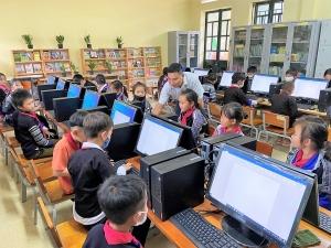 Triển khai dạy tin học tại các trường vùng sâu, vùng xa do Quỹ Thiện Tâm tài trợ