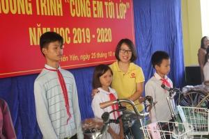 """Chương trình """"Cùng em tới lớp"""" trao xe đạp cho học sinh Tiên Yên (Quảng Ninh)"""