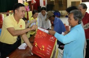 Thường trực tỉnh uỷ, UBND tỉnh tặng quà Tết tại các địa phương
