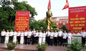 Quỹ Thiện Tâm trao 91 suất học bổng cho học sinh trường PTTH Quốc Học Huế