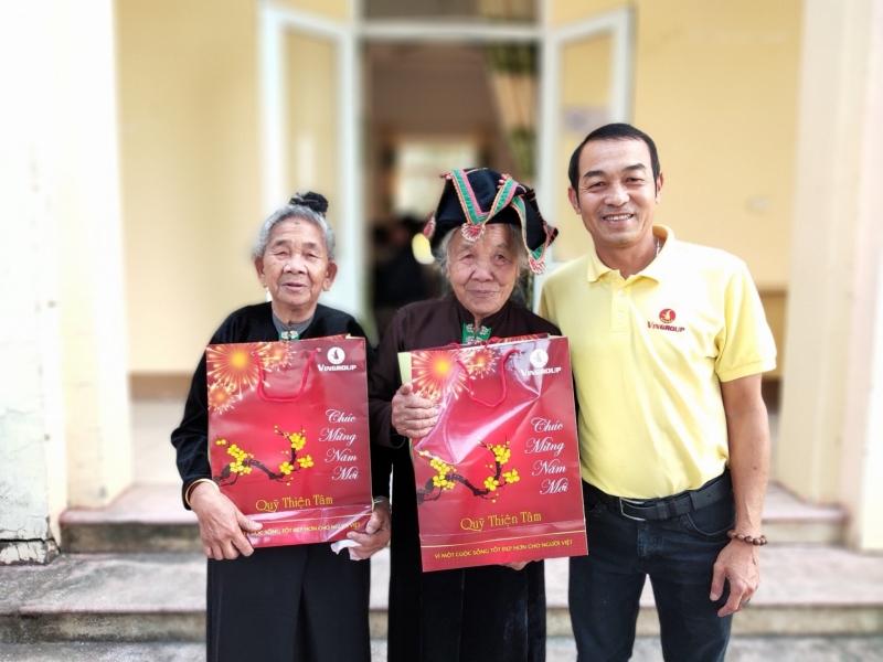 Quỹ Thiện Tâm (Tập đoàn Vingroup) tặng 100.000 suất quà Tết cho người nghèo trên khắp cả nước